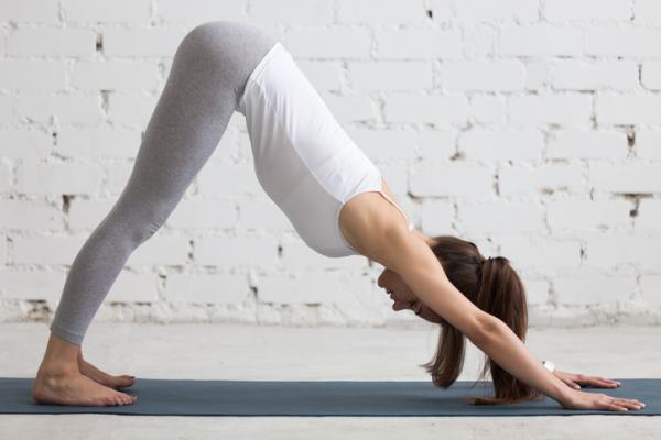 En este momento estás viendo Beneficios del yoga para la espalda