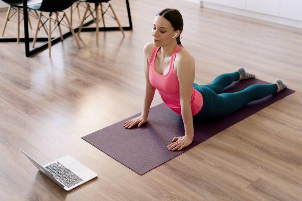En este momento estás viendo Clases de yoga online