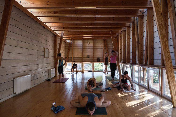 En este momento estás viendo Espacio para el yoga