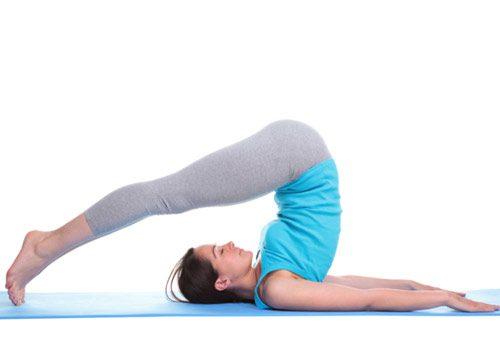 En este momento estás viendo Postura del arado yoga