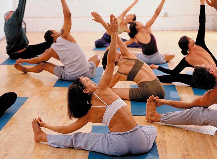 En este momento estás viendo Yoga clase