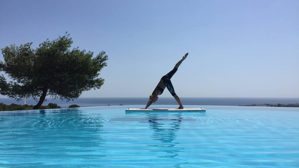 En este momento estás viendo Yoga en el agua