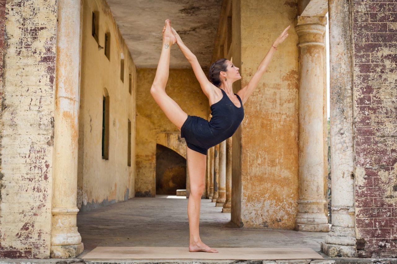 En este momento estás viendo Danza yoga
